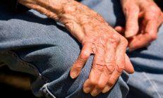 Parkinson Hastalığı: Nedenleri, Semptomları, Teşhis ve Tedavisi